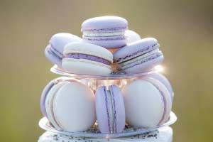 Lila macarons