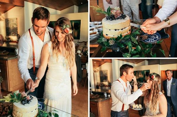 Aansnijden bruidstaart door het bruidspaar