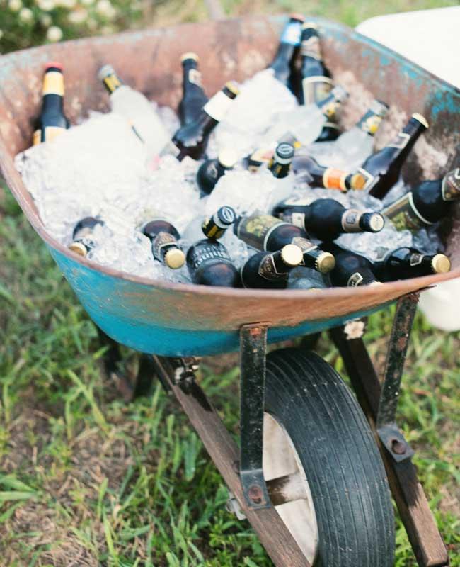Kruiwagen met bier