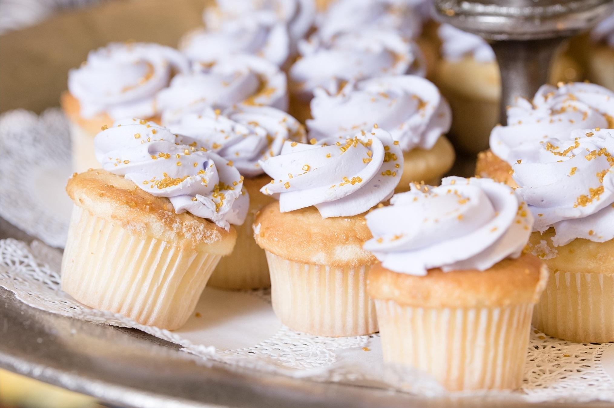 Lila bruiloft cupcakes
