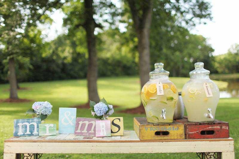 Bruiloft drankjes homemade lemonade