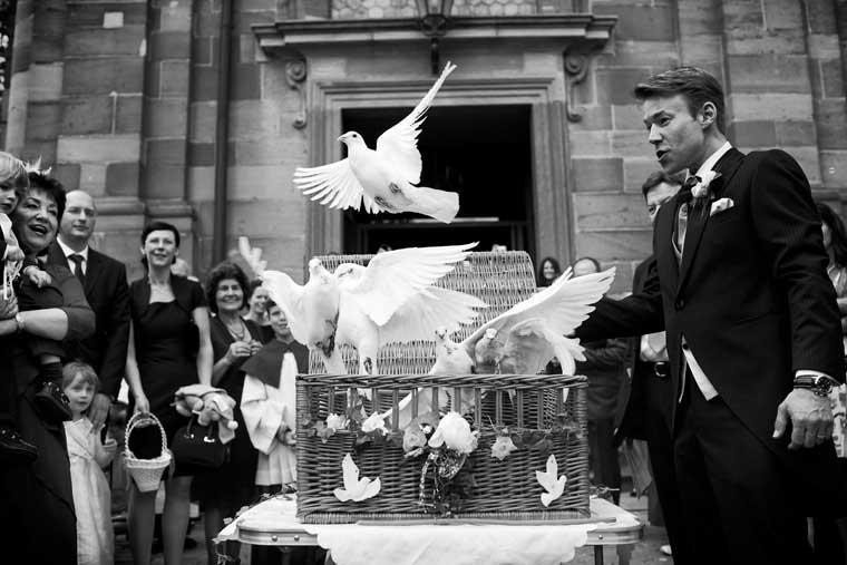 Bruiloft tradities  Het loslaten van duiven   Bruiloft Inspiratie
