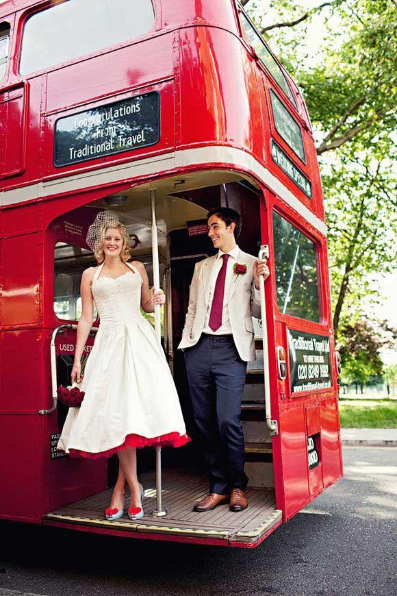 Londense bus als trouwvervoer