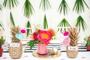 Ananas met bride en groom tekst er op