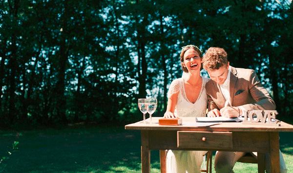 Bruid kan achternaam van haar man aannemen