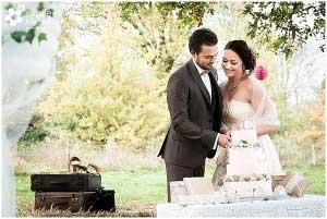Vintage bruiloft in het weiland