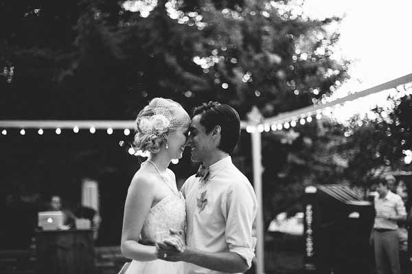 Bruidspaar tijdens hun openingsdans