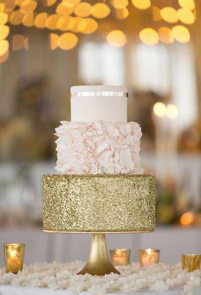 Bruidstaart in het thema touch of gold