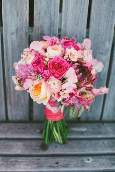 Fel roze bruidsboeket