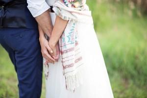 Bruid met witte sjaal