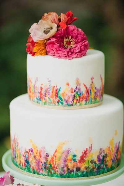 Beschilderde bruidstaarten met bloemen