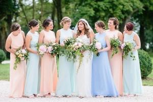 Bruidsmeisjes in pastelkleuren