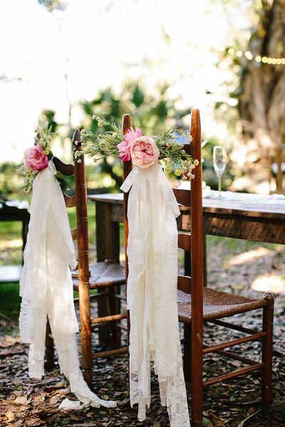 Stoeldecoratie bruiloft