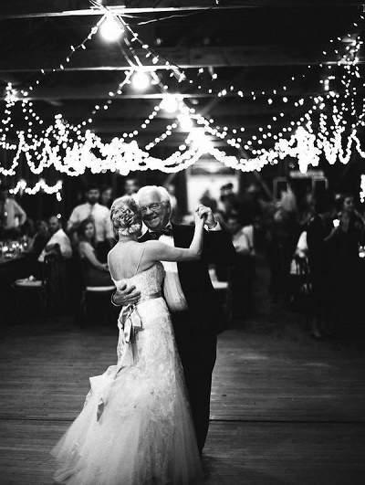 Vader en bruid dans