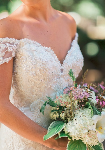 Off-shuolder trouwjurk