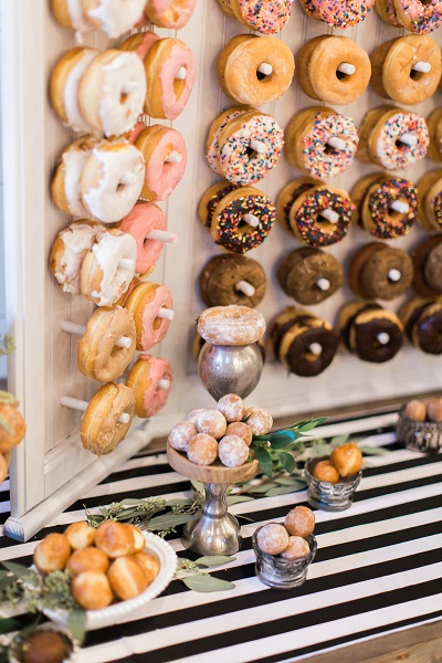 Donuts op bruiloft receptie
