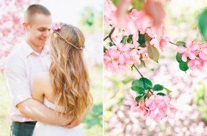 Bruidspaar tussen de bloesem