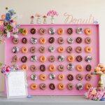 3 Redenen om voor een donutmuur op jullie bruiloft te kiezen