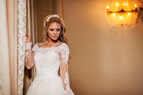 Bruid met trouwjurk van Alberto Axu Couture