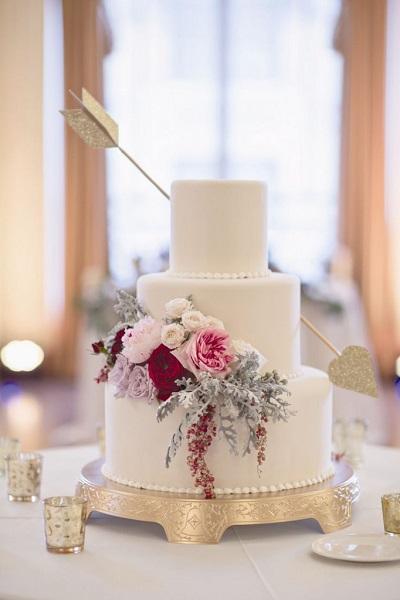 Bruidstaart met cupido pijl