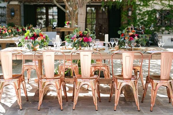 Rosé gouden trouwstoelen