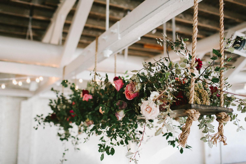 Hangend bloemstuk als decoratie
