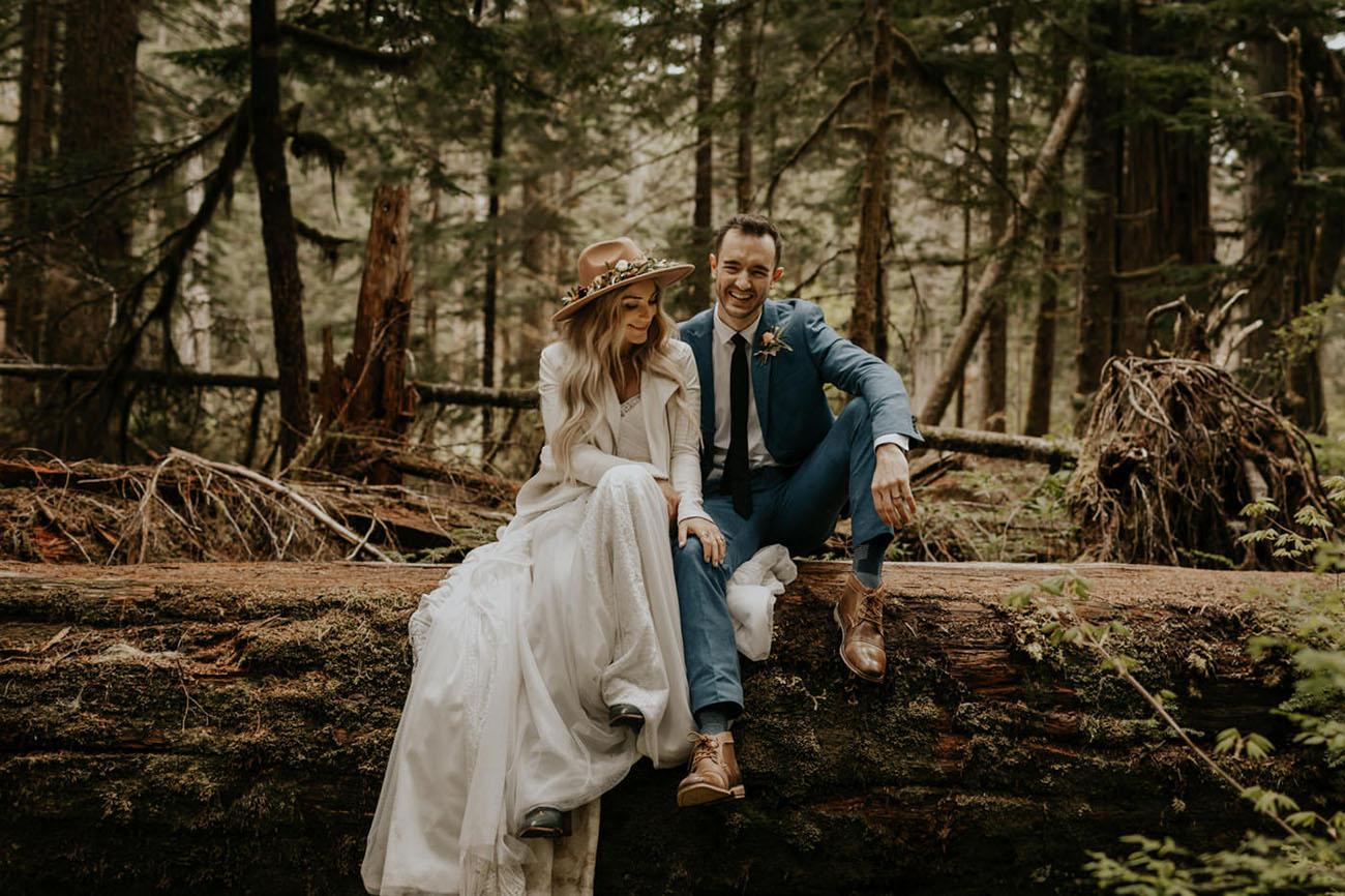 Bruidspaar in het bos