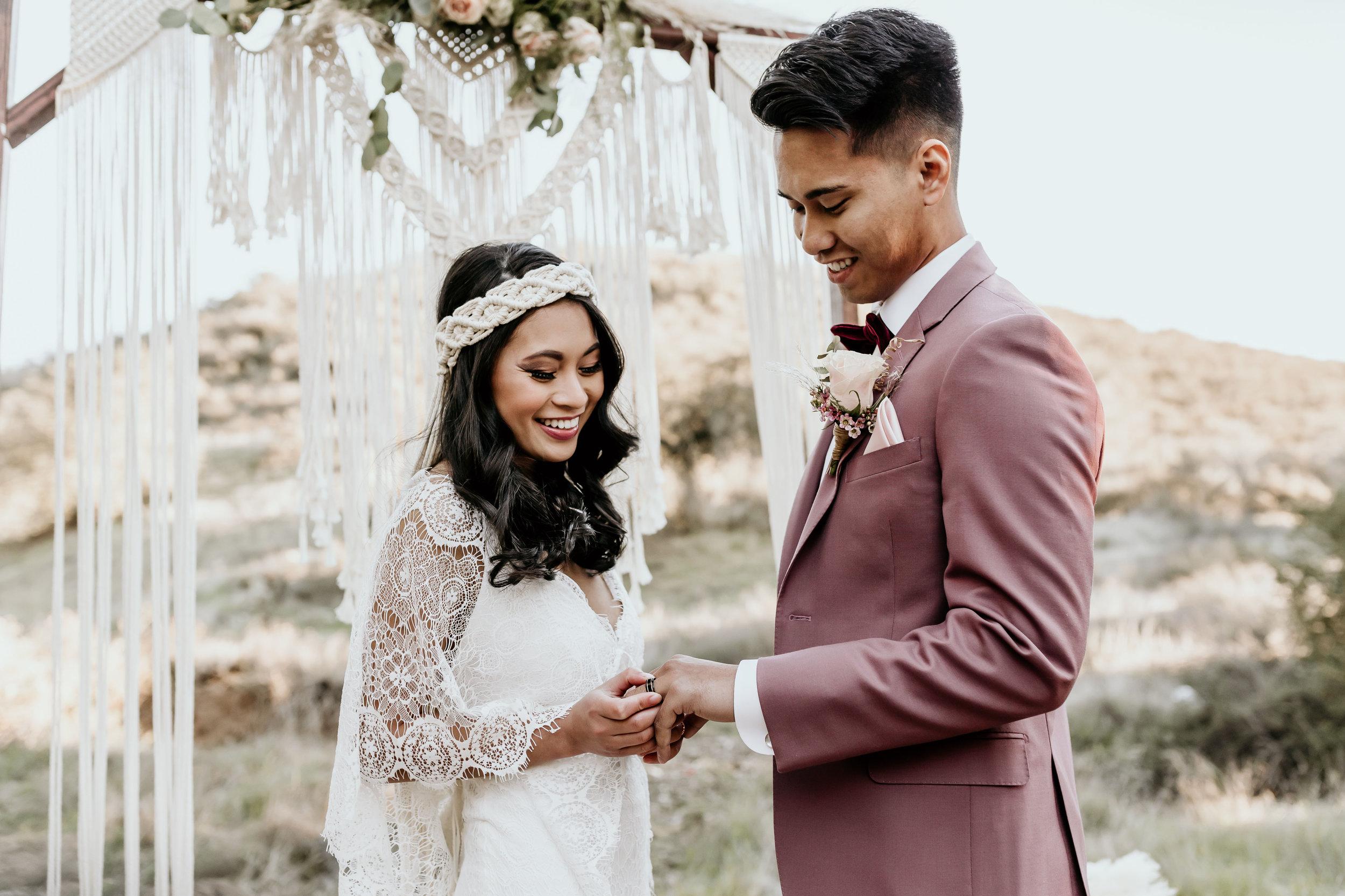 Bruidspaar voor backdrop als decoratie